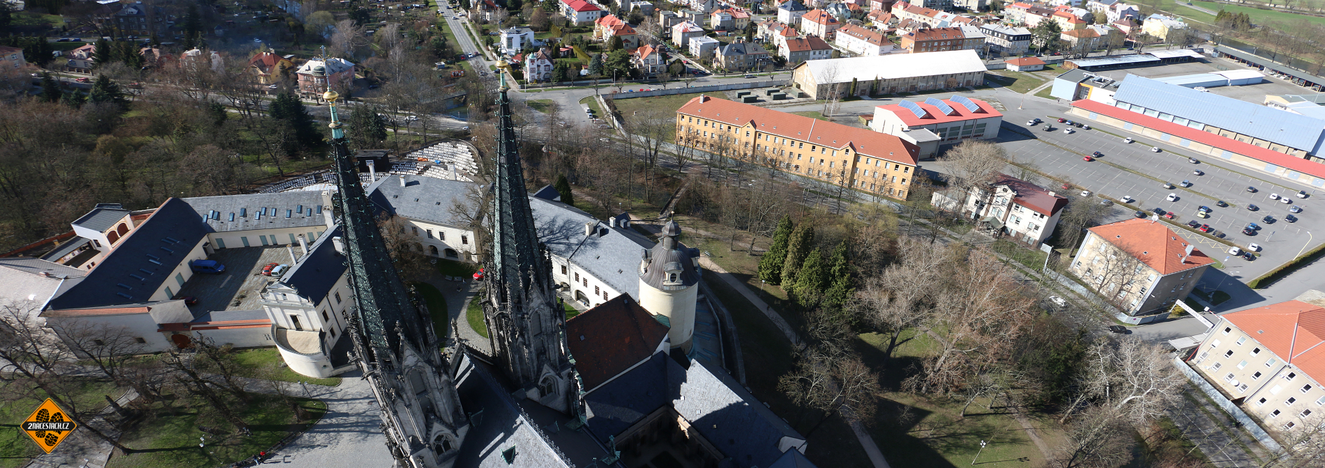 Západní věže sv. Václava z jižní věže