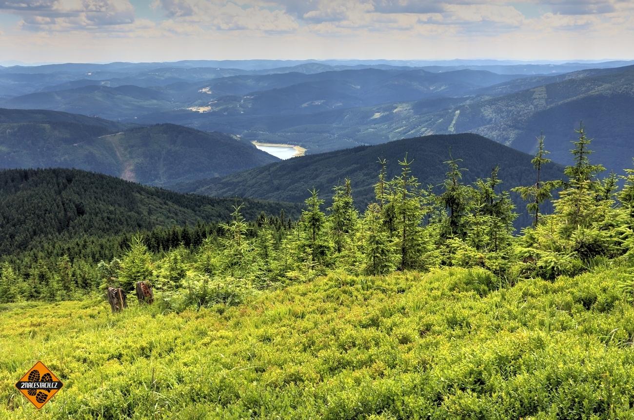 Výhled na západ z Lysé Hory